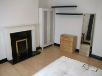 2 Lovely Double Rooms Available Now in Shadwell - Great Location - Couples Welcome!