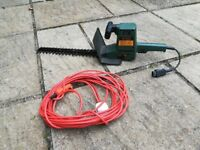 Hedge Timmer-Black and Decker GT150