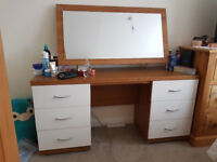 Very neat dressing table for sale!