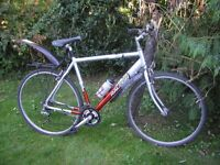 raleigh sport 50 hybrid , 22 inch frame aluminium,runs perfectly,very tidy