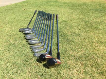 Golf clubs & bag - near new