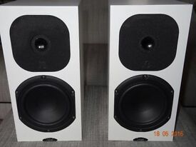 Neat Motive SX3 Speakers Satin White Excellent Condition £570