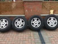 Landrover alloy wheels and tyres