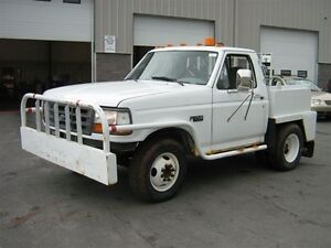 1995 Ford F-350 XL - super low kms!