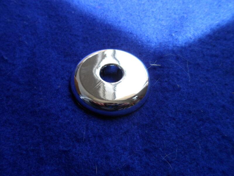 "1/2"" IPS SPLIT PLASTIC ESCUTCHEON (CHROME PLASTIC) PIPE COVER COLLAR"