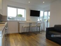 1 bedroom flat in Brecknock Road Estate, London, N19 (1 bed) (#1167615)