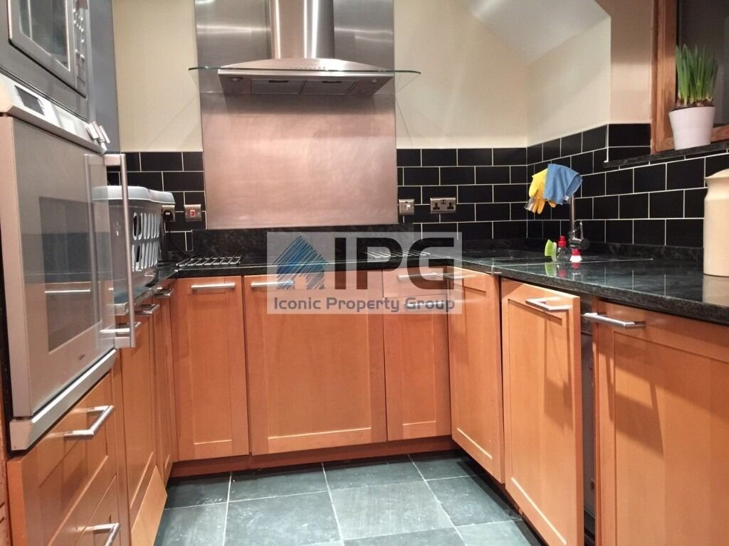 Spacious 2 Double Bedroom Property Located In A Private Gated Development In Burnt Oak/Edgware.