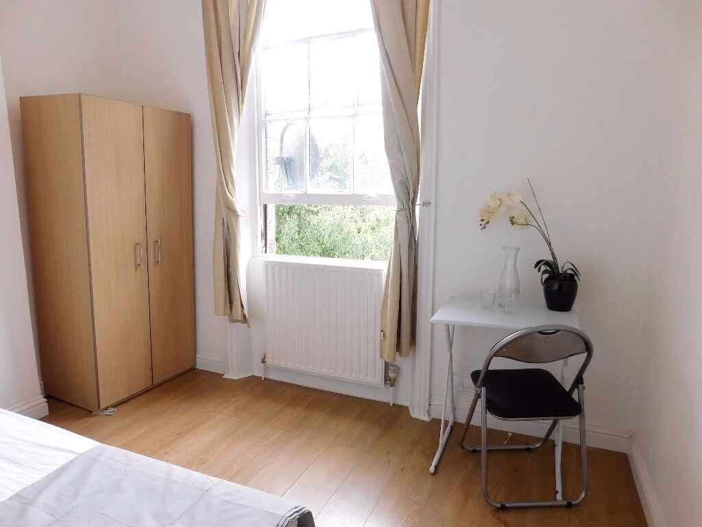 3 DOUBLE BEDS 10 MINS FROM ARCHWAY TUBE