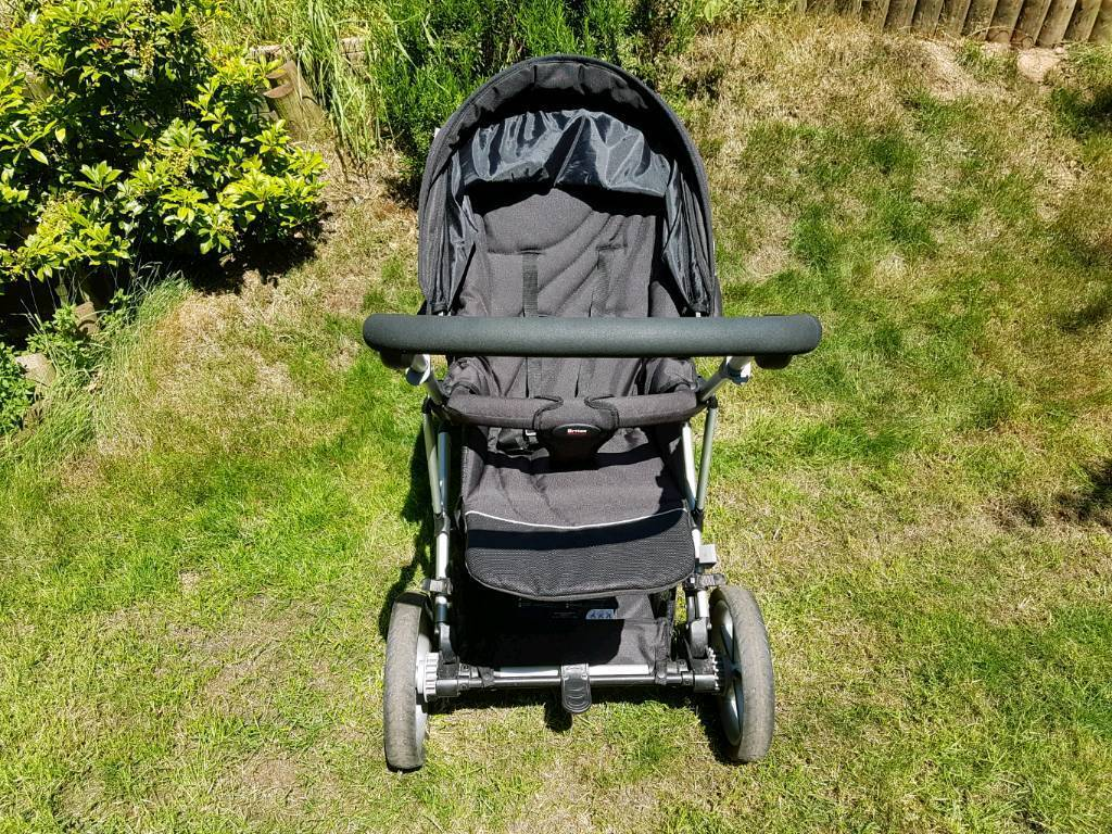Britax vigour 3 and römer and belted safe plus accessoriesin Taunton, SomersetGumtree - All in good condition. Stroller vigour 3 also baby car seat römer which can clip onto the stroller. Included is the belted base plus rain covers for both plus cosy toes plus buggy board