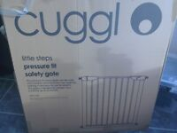Baby child safety gate by Cuggl Tension fix Boxed nearly new