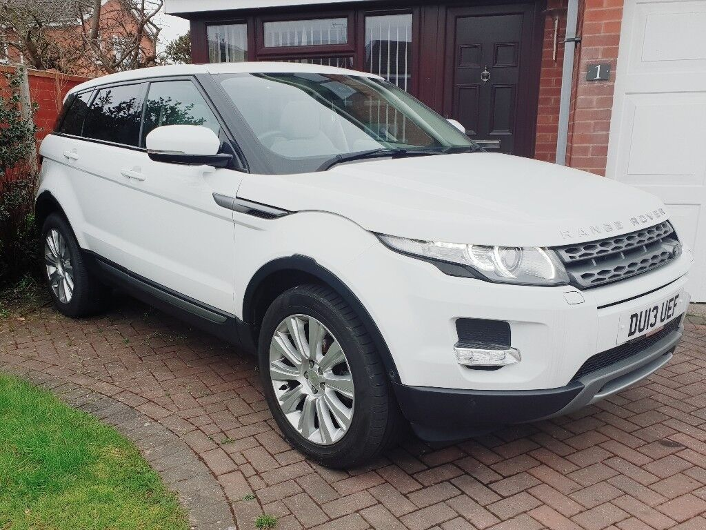 Range Rover Evoque Pure Tech Pack in White. Pan Roof, Power Tailgate! 2d6a69f32f
