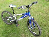 Trek MT60 20 inch Child's Bike - Blue. £65