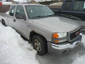 2004 GMC SIERRA 1500 SLE 4.8 L Rear Wheel drive 163,000 KM
