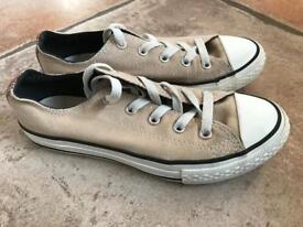 Converse Size 2