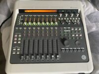 Digidesign Digi 003 Factory Console with Pro Tools 9 Bundle