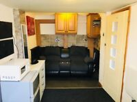 Studio All Bills Included £100 p/w Ensuite B-Leys LE4