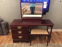 Mahogany 3 piece dressing table, mirror & stool
