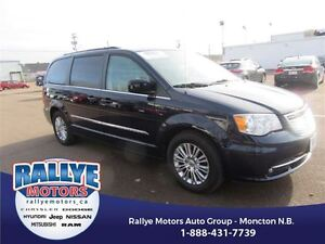 2016 Chrysler Town & Country Touring-L! Back-Up! Alloy! Heated!