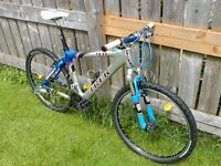 Trek 9.8 Elite mountain bike / bicycle