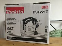 new makita 18v dst221z stapler - made in Japan. dst221 stapler, bare tool