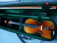 1/2 size violin outfit with new bow and case-excellent condition