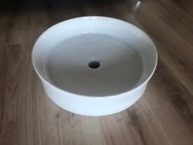 Modern ceramic wash hand basin/ sink - brand new