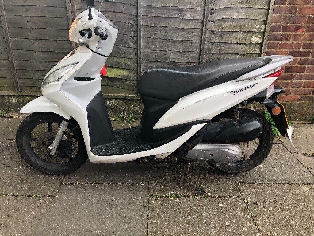 Honda Vision 50 cc Moped Scooter not piaggio gilera vespa yamaha