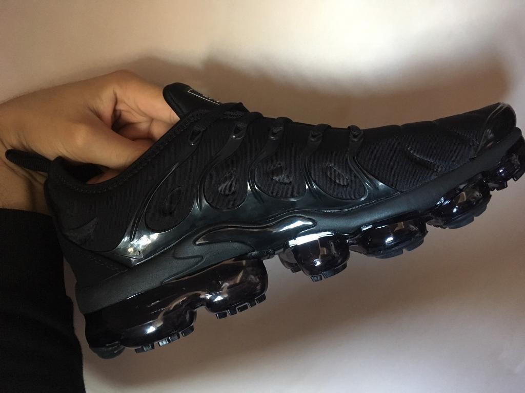 c0400087dd74 Nike Air Vapormax Plus TN Triple Black Trainers Mens UK 10 BNIB ...