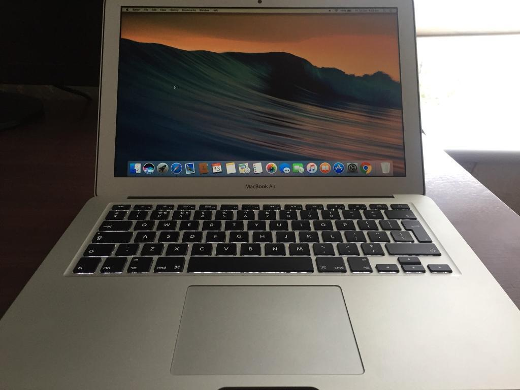 MacBook Air top spec with charger
