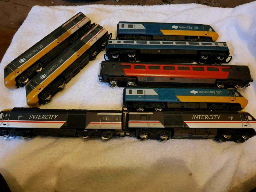 Hornby HSTs and coaches
