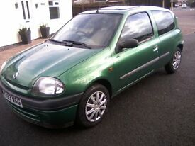 RENAULT CLIO 1-2 RN GRANDE 3-DOOR 2001. DECEMBER 2017 MOT. EXCELLENT CONDITION THROUGHOUT, ANY TRIAL