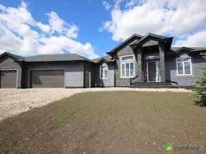 $695,000 - Bungalow for sale in Spruce Grove