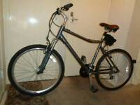 Raleigh ( Voyager LX) aluminium hybrid bike ( GREAT CONDITION)