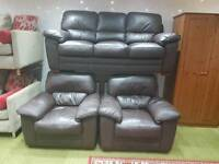 Stunning chocolate brown leather 3 seater sofa and 2 arm chairs 3 piece suite