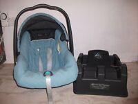 MAMAS and PAPAS car seat