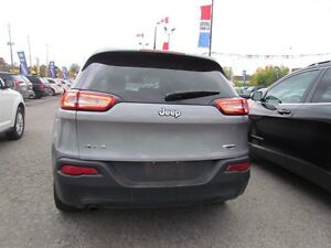 2016 Jeep Cherokee North | 4X4 | ONE OWNER | BLUETOOTH London Ontario image 5