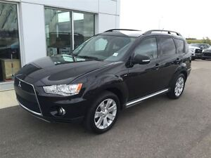 2011 Mitsubishi Outlander XLS Leathet Moonroof and more!!