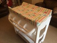 Baby changing unit and bath in excellent condition.