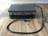 Camping Cooker - 2 x gas burners with grill
