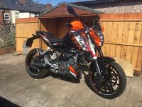 Mint condition KTM 125 Duke motorbike, 2013 63 Reg, perfect first bike