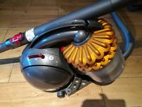 DYSON vacuum 9 months old perfect condition