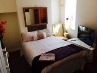 Luxury double room in a spacious home. Old Town Bexhill. £109pw bills Inc.
