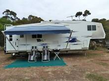 2005 FIFTH 5TH WHEEL CARAVAN AND 2004 CHEVROLET SILVERADO St Albans Park Geelong City Preview