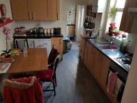 ROOM FOR RENT IN HORFIELD ON GLOUCESTER ROAD £460 ALL INC.