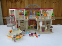 Playmobil 5485 City Life Shopping Centre Mall Figures Furniture