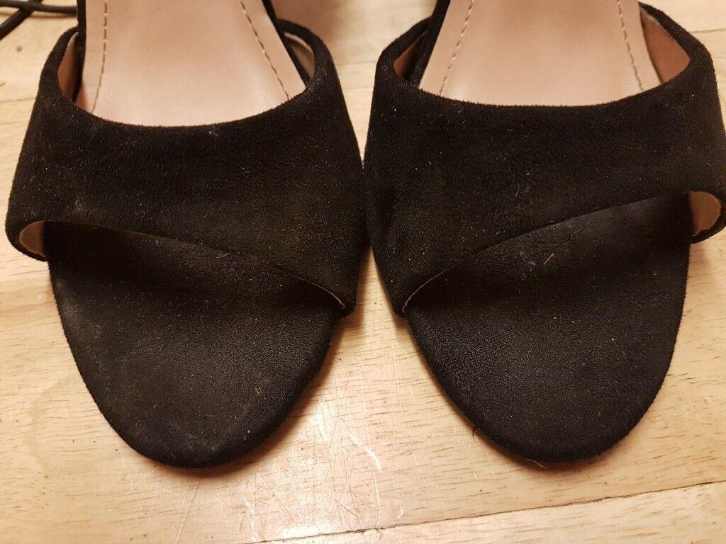 ba94e02e7d52 Black heeled sandals size 6