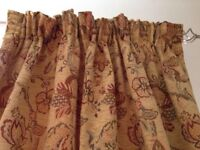 Victorian Collectable Authentic genuine beautiful curtains antique (two pairs) excellent condition