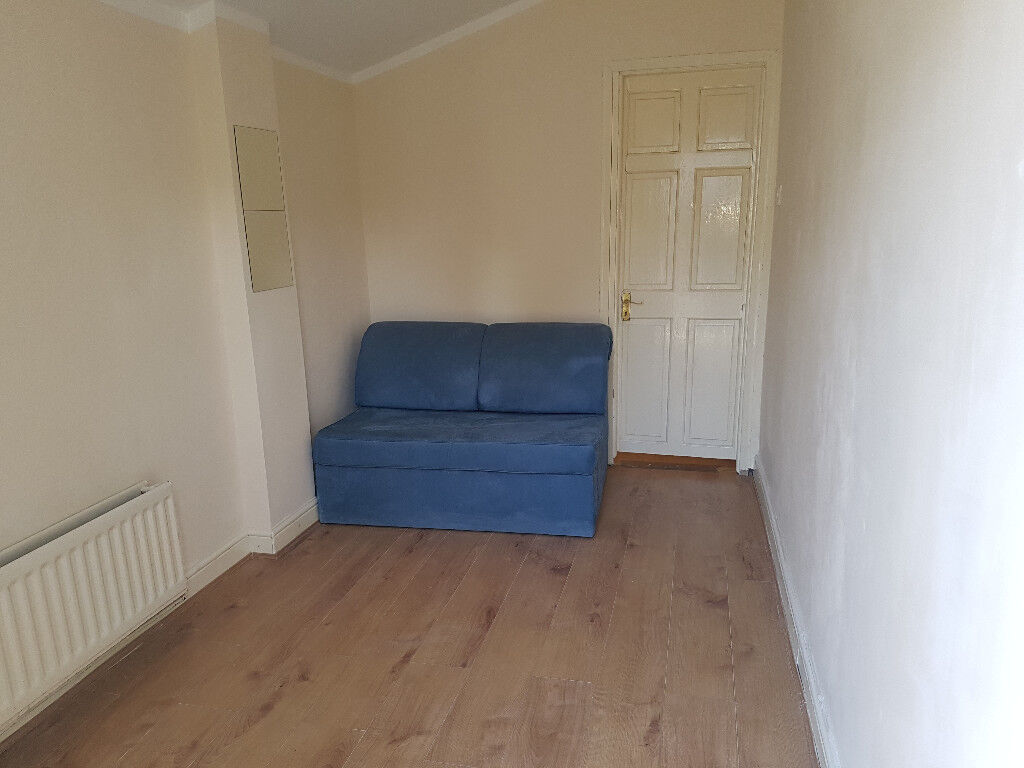 1 Bedroom Flat To Rent - Seperate Entrance - £1,100 - All Bills Incl.
