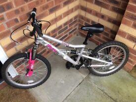 Girls 20 inch mountain bike. Apollo pure FS.