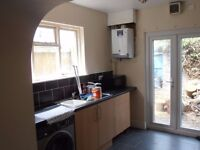 double room in house share of 5